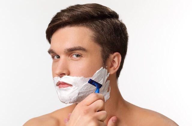 10髭剃り