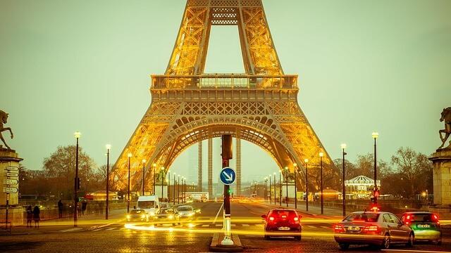 女子旅海外パリ